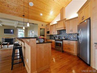 Photo 9: 1290 Eston Pl in VICTORIA: La Bear Mountain House for sale (Langford)  : MLS®# 732009