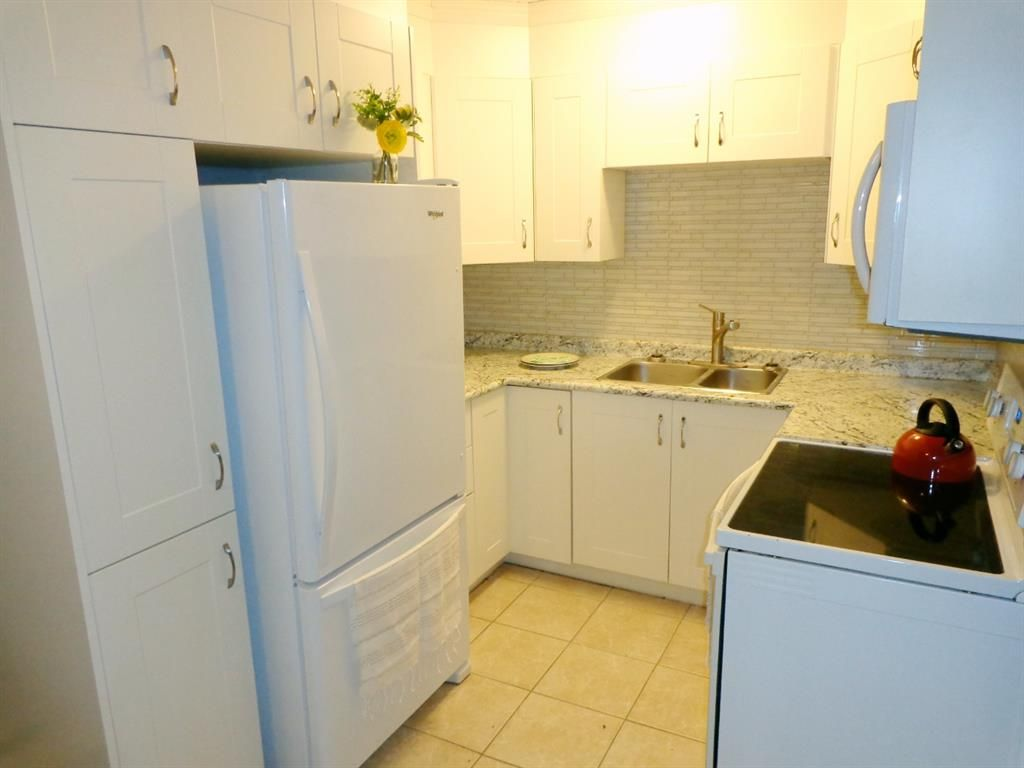 Photo 10: Photos: 301 5812 61 Street: Red Deer Apartment for sale : MLS®# A1063837
