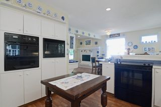 Photo 3: 405 LAURENTIAN Crescent in Coquitlam: Central Coquitlam House for sale : MLS®# R2103596