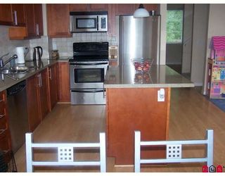 "Photo 2: 18 6635 192ND Street in Surrey: Clayton Townhouse for sale in ""Leafside Lane"" (Cloverdale)  : MLS®# F2820322"