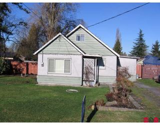 Photo 2: 12531 113B Avenue in Surrey: Bridgeview House for sale (North Surrey)  : MLS®# F2801800