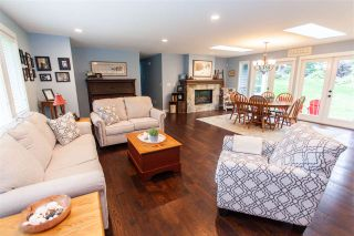 """Photo 3: 5272 244 Street in Langley: Salmon River House for sale in """"Salmon River"""" : MLS®# R2412994"""