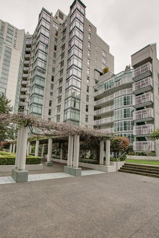 """Photo 15: B705 1331 HOMER Street in Vancouver: Yaletown Condo for sale in """"PACIFIC POINT"""" (Vancouver West)  : MLS®# V990433"""