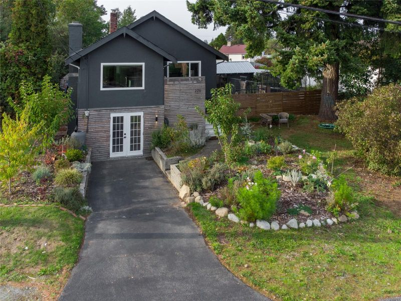 FEATURED LISTING: 226 Harewood Rd