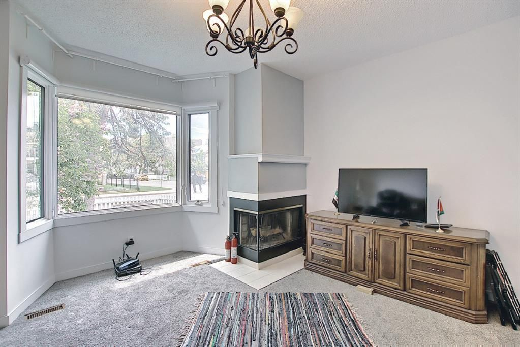Photo 9: Photos: 2122 5 Street SW in Calgary: Cliff Bungalow Detached for sale : MLS®# A1115201