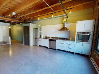 "Photo 8: 210 55 E CORDOVA Street in Vancouver: Downtown VE Condo for sale in ""KORET LOFTS"" (Vancouver East)  : MLS®# R2569559"