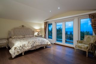 Photo 20: 1479 CHIPPENDALE Road in West Vancouver: Canterbury WV House for sale : MLS®# R2616361