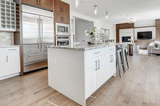 Photo 4: 2711 LIONEL Crescent SW in Calgary: Lakeview Detached for sale : MLS®# C4236282