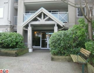 """Photo 1: 104 15130 29A Avenue in Surrey: King George Corridor Condo for sale in """"The Sands"""" (South Surrey White Rock)  : MLS®# F1002019"""