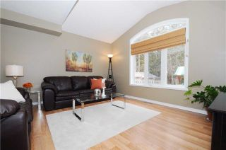 Photo 3: 88 Beachgrove Crest in Whitby: Taunton North House (2-Storey) for sale : MLS®# E3445699