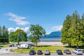 "Photo 2: 4492 NW MARINE Drive in Vancouver: Point Grey House for sale in ""Point Grey"" (Vancouver West)  : MLS®# R2463689"
