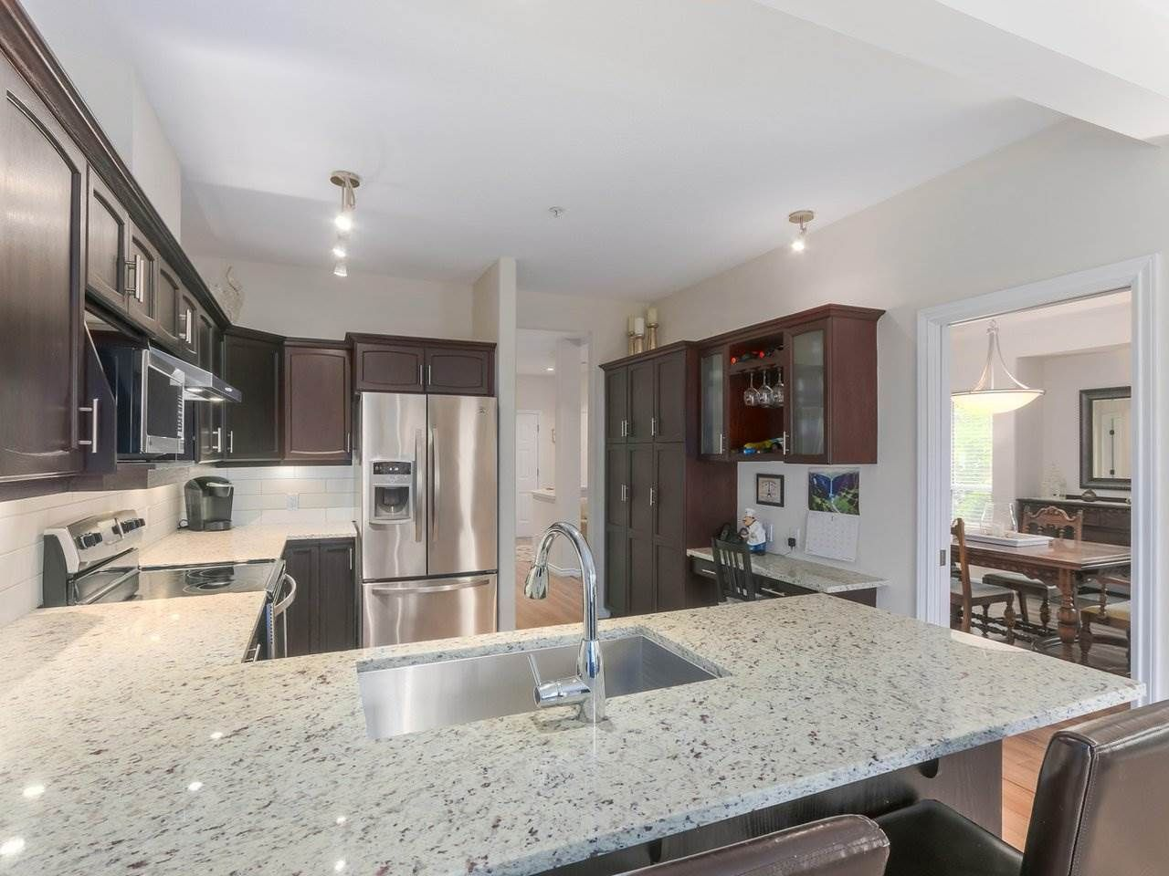 """Photo 10: Photos: 21 998 RIVERSIDE Drive in Port Coquitlam: Riverwood Townhouse for sale in """"PARKSIDE PLACE"""" : MLS®# R2371728"""
