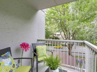 """Photo 10: 304 1740 COMOX Street in Vancouver: West End VW Condo for sale in """"The Sandpiper"""" (Vancouver West)  : MLS®# R2178648"""