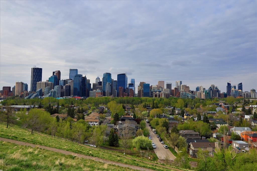 Main Photo: 624 Crescent Road NW in Calgary: Rosedale Detached for sale : MLS®# A1108385