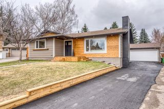 Photo 3: 631 Cantrell Place SW in Calgary: Canyon Meadows Detached for sale : MLS®# A1091389