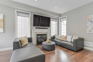Photo 4: 17 Hammersly Boulevard in Markham: Wismer House (2-Storey) for sale : MLS®# N5371830