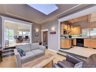 Photo 4: 445 Constance Ave in VICTORIA: Es Saxe Point House for sale (Esquimalt)  : MLS®# 728059