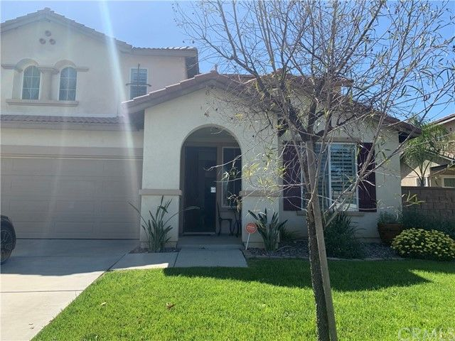 Main Photo: House for sale : 4 bedrooms : 35899 Wolverine Lane in Murrieta