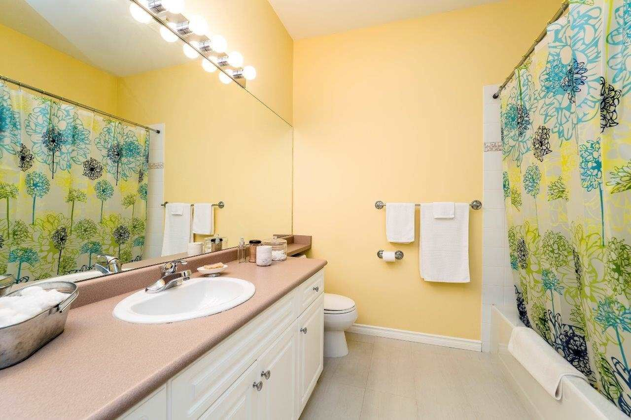 """Photo 12: Photos: 201 1465 PARKWAY Boulevard in Coquitlam: Westwood Plateau Townhouse for sale in """"SILVER OAK"""" : MLS®# R2249659"""