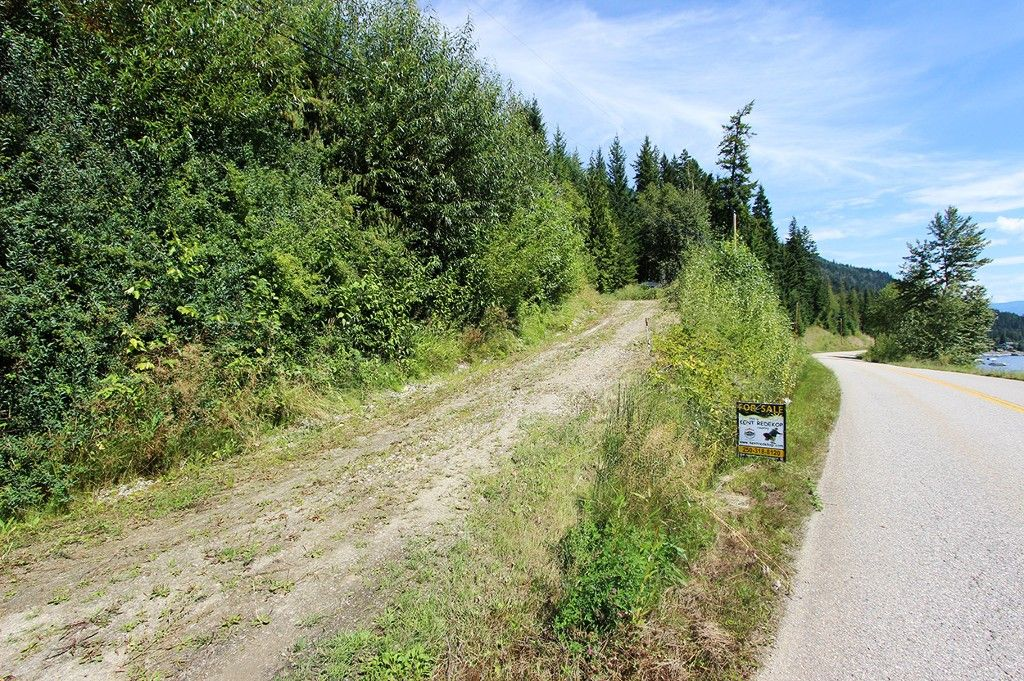 Photo 4: Photos: 8079 Squilax Anglemont Highway: St. Ives House for sale (North Shuswap)  : MLS®# 10179329