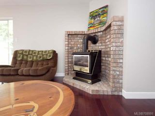 Photo 3: 793 HOBSON Avenue in COURTENAY: CV Courtenay East House for sale (Comox Valley)  : MLS®# 708991