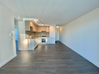 Photo 5: 2402 652 Whiting Way in Coquitlam: Condo for rent