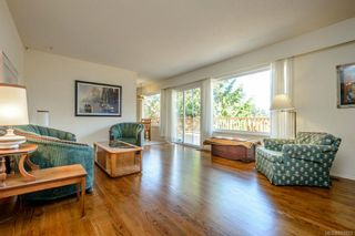 Photo 2: 1126 Temple Ave in : SE Cordova Bay House for sale (Saanich East)  : MLS®# 651993