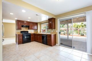 Photo 16: House for sale : 4 bedrooms : 1320 Cambridge Court in San Marcos