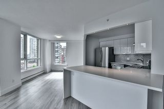 "Photo 11: 1106 388 DRAKE Street in Vancouver: Yaletown Condo for sale in ""GOVERNOR'S TOWER"" (Vancouver West)  : MLS®# R2162040"