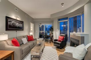 Photo 10: 2601 910 5 Avenue SW in Calgary: Downtown Commercial Core Apartment for sale : MLS®# A1013107