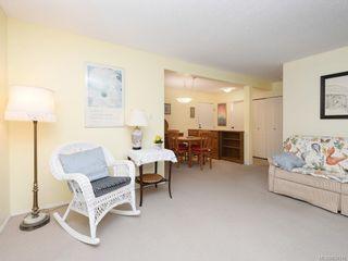 Photo 4: 316 1433 Faircliff Lane in Victoria: Vi Fairfield West Condo for sale : MLS®# 839316