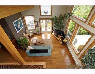 Photo 2: 1013 TOBERMORY Way in Squamish: Garibaldi Highlands House for sale : MLS®# V757176