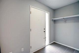 Photo 3: 425 40 Street NE in Calgary: Marlborough Row/Townhouse for sale : MLS®# A1147750