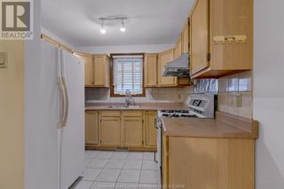 Photo 11: 638 Mckay AVENUE in Windsor: House for sale : MLS®# 21017569