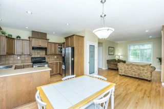 Photo 5: 6624 187A Street in Surrey: Cloverdale BC House for sale (Cloverdale)  : MLS®# R2287987