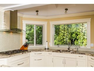 """Photo 10: 7923 MEADOWOOD Drive in Burnaby: Forest Hills BN House for sale in """"FOREST HILLS"""" (Burnaby North)  : MLS®# R2070566"""