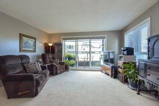 Photo 10: 201 1830 E SOUTHMERE Crescent in Surrey: Sunnyside Park Surrey Condo for sale (South Surrey White Rock)  : MLS®# R2494273