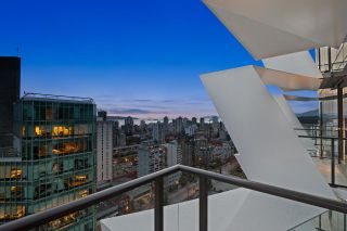 """Photo 22: 2501 620 CARDERO Street in Vancouver: Coal Harbour Condo for sale in """"Cardero"""" (Vancouver West)  : MLS®# R2565115"""