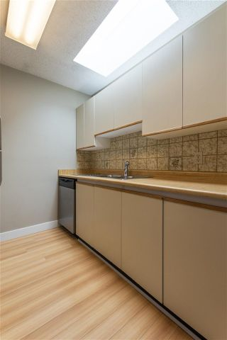 Photo 4: 304 8645 OSLER Street in Vancouver: Marpole Condo for sale (Vancouver West)  : MLS®# R2557611