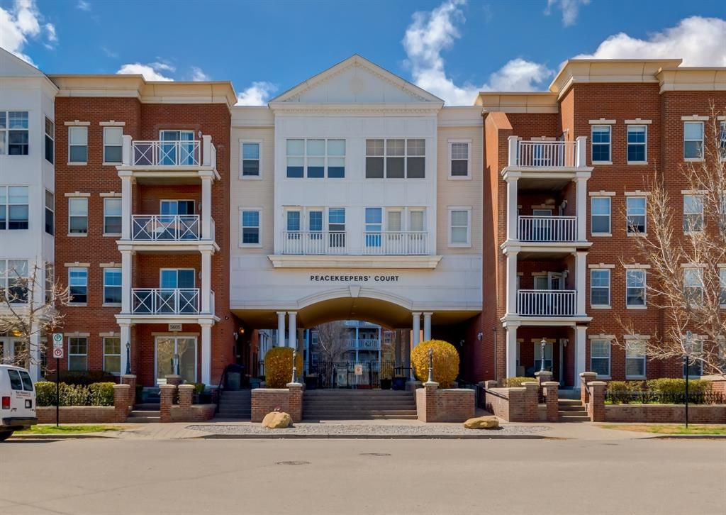 Main Photo: 4414 5605 Henwood Street SW in Calgary: Garrison Green Apartment for sale : MLS®# A1107733