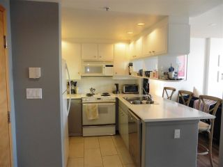"""Photo 9: 403 1978 VINE Street in Vancouver: Kitsilano Condo for sale in """"THE CAPERS BUILDING"""" (Vancouver West)  : MLS®# R2593406"""