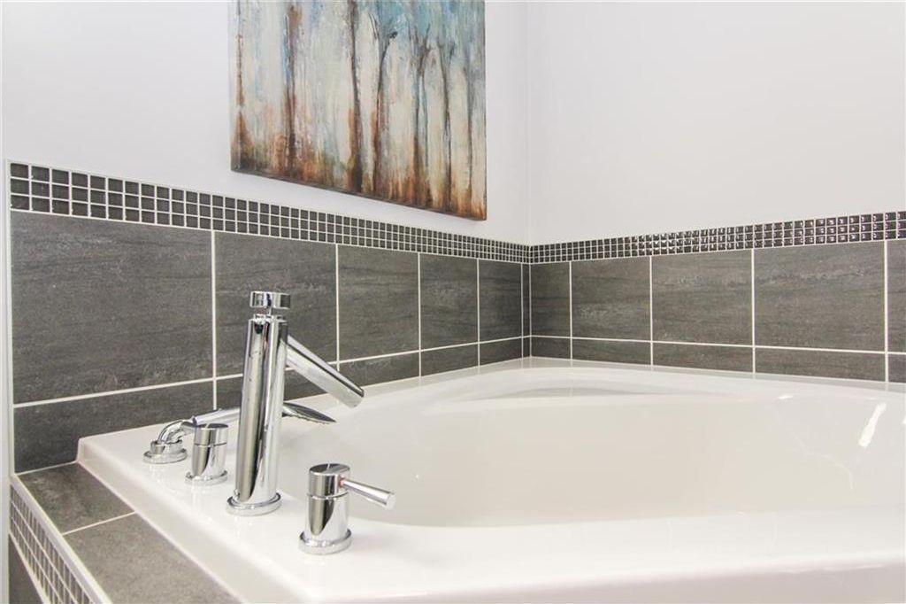 Photo 29: Photos: 92 Mahogany Terrace SE in Calgary: Mahogany House for sale : MLS®# C4143534