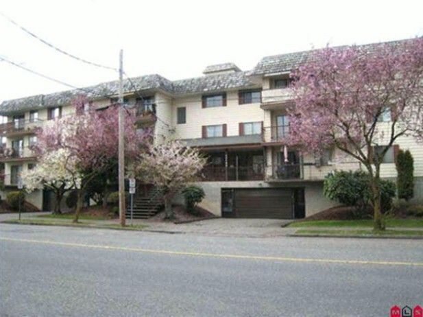 Main Photo: 106 45749 SPADINA Avenue in Chilliwack: Chilliwack W Young-Well Condo for sale : MLS®# H1300264