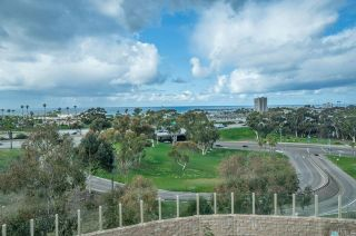 Photo 4: Townhouse for sale : 3 bedrooms : 825 Harbor Cliff Way #269 in Oceanside