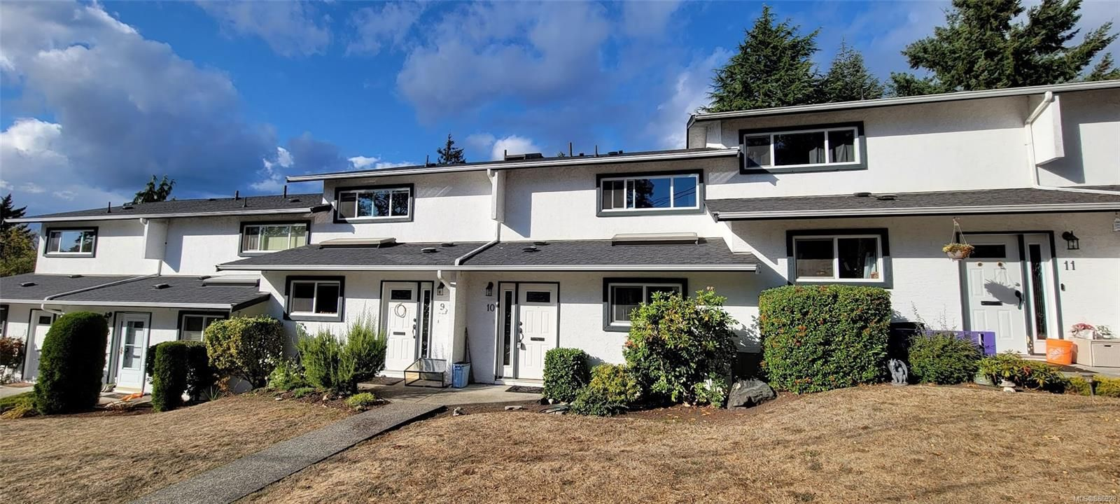 Main Photo: 10 3228 Wicklow St in : SE Maplewood Row/Townhouse for sale (Saanich East)  : MLS®# 886928