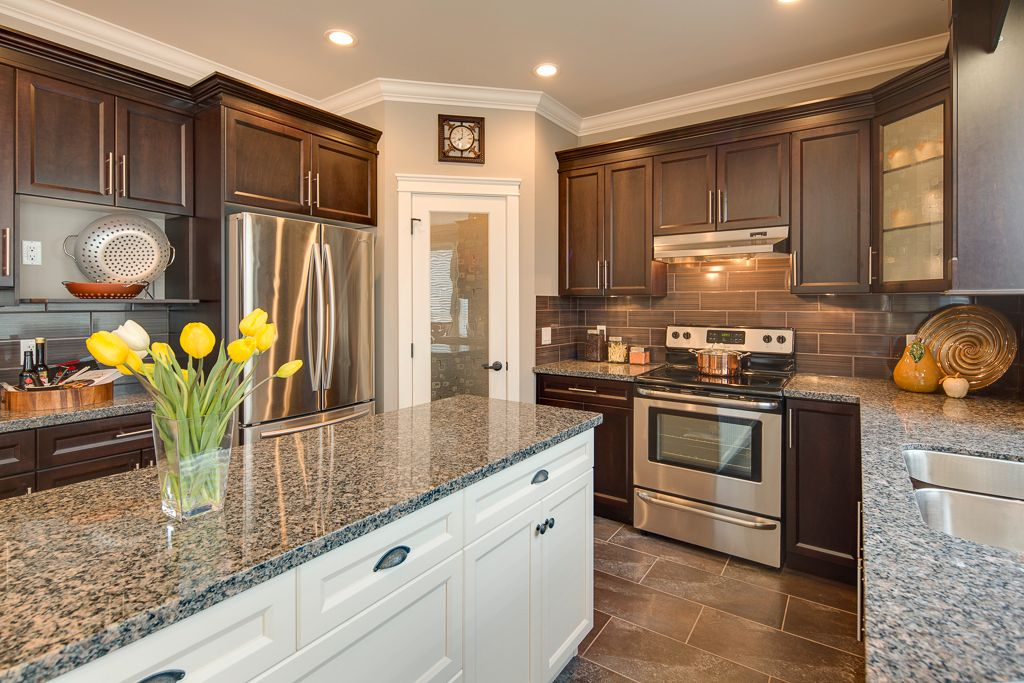 Photo 5: Photos: 6071 146TH ST in : Sullivan Station House for sale : MLS®# F1311482