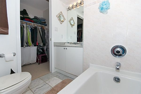 "Photo 15: Photos: 308 2485 ATKINS Avenue in Port_Coquitlam: Central Pt Coquitlam Condo for sale in ""THE ESPLANADE"" (Port Coquitlam)  : MLS®# V663297"