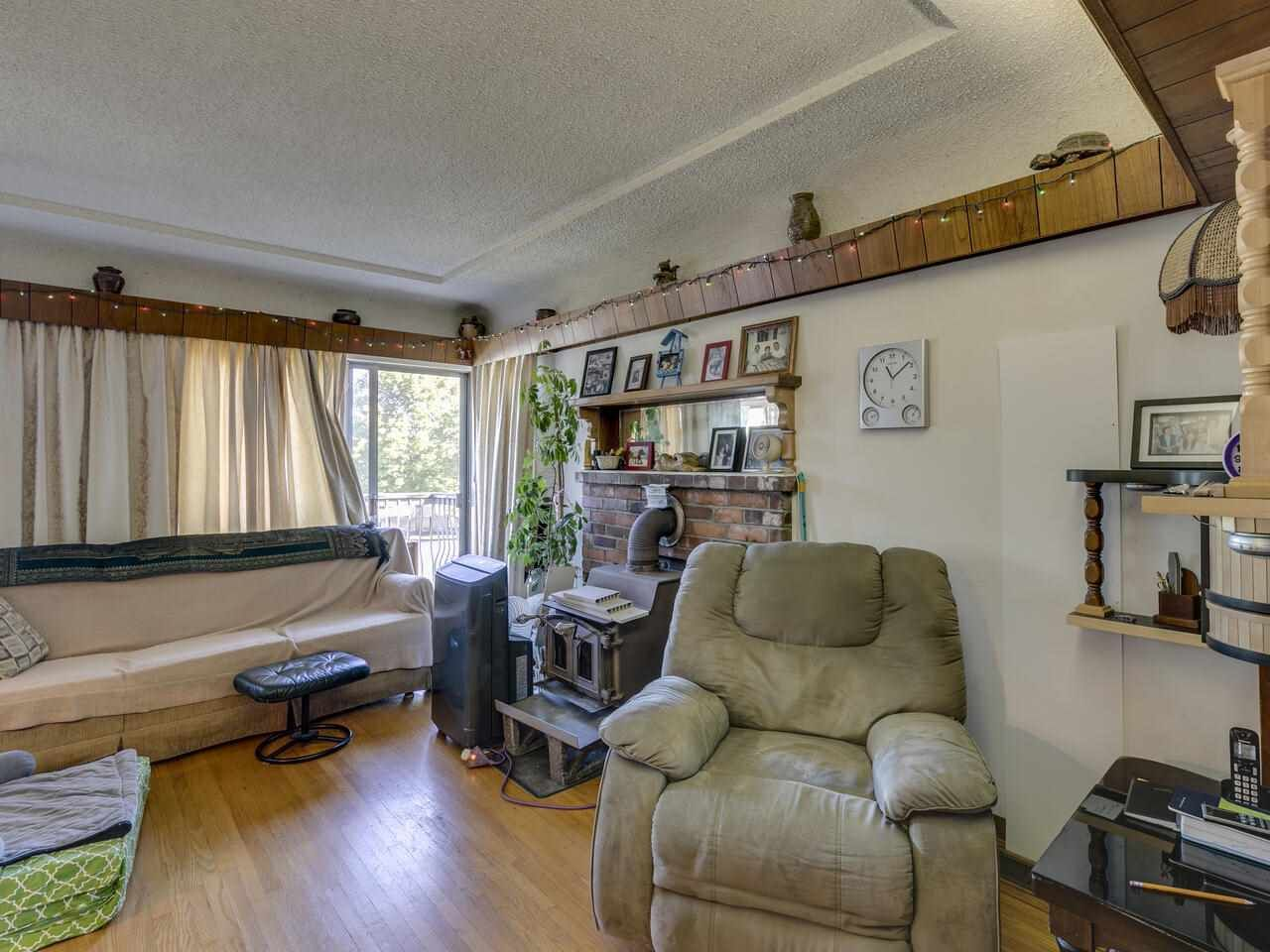 """Photo 14: Photos: 2796 E 4TH Avenue in Vancouver: Renfrew VE House for sale in """"Renfrew Heights"""" (Vancouver East)  : MLS®# R2496647"""
