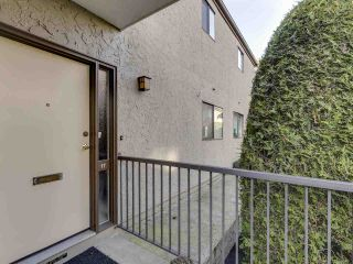 """Photo 22: 17 220 E 4TH Street in North Vancouver: Lower Lonsdale Townhouse for sale in """"Custer Court"""" : MLS®# R2538905"""