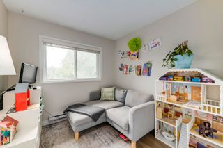 """Photo 18: 916 BRITTON Drive in Port Moody: North Shore Pt Moody Townhouse for sale in """"Woodside Village"""" : MLS®# R2616930"""